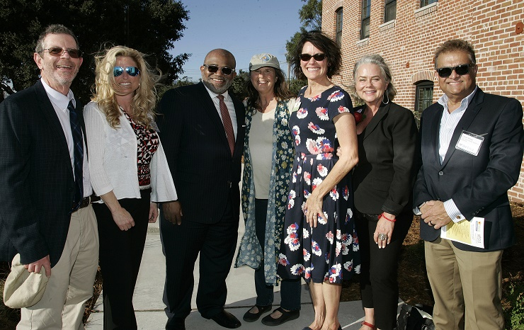 FHLBank San Francisco Senior Vice President, Public Affairs (third from left) celebrated the grand opening of Bishop Street Studios with TMHA, HASLO, local officials, other funders, and the community.